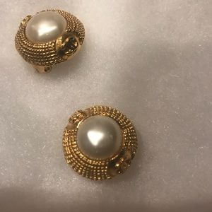Authentic Chanel Clips VINTAGE